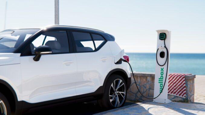 Nowość w ofercie Edison Energia - stacje ładowania samochodów elektrycznych