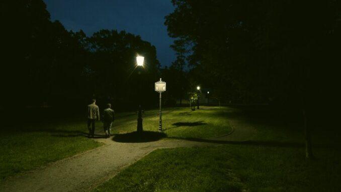 TAURON zainstalował na Opolszczyźnie innowacyjne oświetlenie nadążne