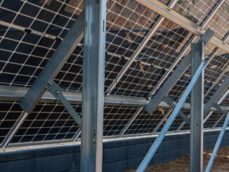Panele fotowoltaiczne typu GLASS-GLASS z tyłu